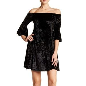 Angie Black Crushed Velvet Bell Sleeves Dress S